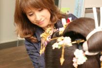 石川県を代表する着付師により美しい羨望の花嫁に変身。最高のブライダルをENOMOTOから。